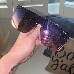QUAY AUSTRALIA Glitter Sunglasses